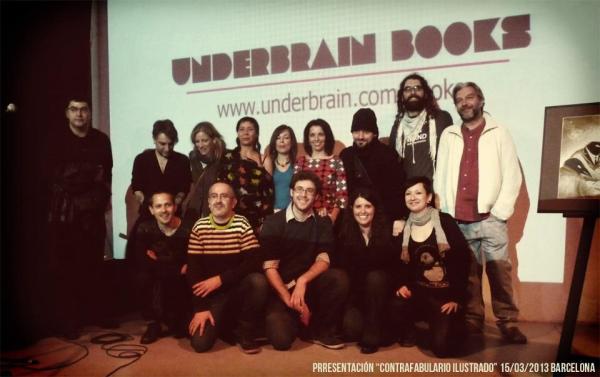 """Fotografía de los autores presentes en la presentación de """"contrafabulario ilustrado"""" en Barcelona"""